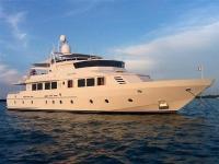 Derecktor Tri Deck Motor Yacht