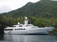Feadship Semi-displacement