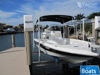 Nautic Star 2200 Bay