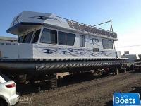 Three Buoys Houseboat